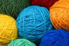 Palle di lana del filato Fotografie Stock
