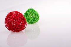 palle di legno rosse e verdi Fotografia Stock