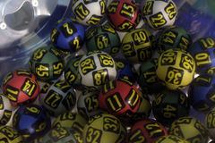 Palle di lotteria durante l'estrazione Immagini Stock