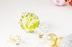 Palle di Natale con fondo bianco Fotografie Stock