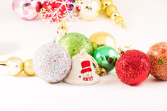 Palle di Natale con fondo bianco Immagine Stock