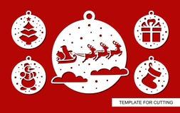 Palle di Natale con il volo Santa Claus, la renna, l'albero, il pupazzo di neve, il regalo ed il calzino immagine stock