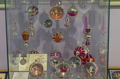 Palle di Natale con le immagini dentro Immagini Stock Libere da Diritti
