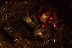Palle di Natale sulla tavola Fotografia Stock Libera da Diritti