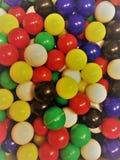 Palle di plastica minuscole immagini stock