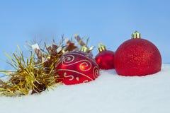 Palle di rosso della decorazione di Natale fotografia stock