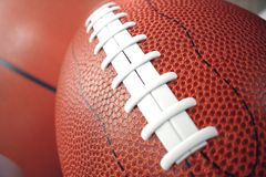 palle di sport della rappresentazione 3d su backgorund di legno Insieme delle palle di sport Attrezzatura di sport tali noi calci Fotografie Stock Libere da Diritti
