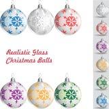 Palle di vetro realistiche di Natale immagini stock libere da diritti