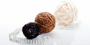 3 palle e perle della perla Fotografie Stock