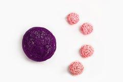 Palle rosa e porpora della decorazione Immagini Stock Libere da Diritti