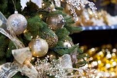 Palle sull'albero di Natale Fotografie Stock Libere da Diritti