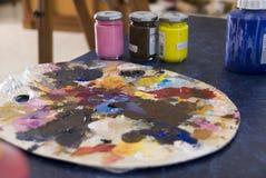 Pallete y pintura Fotos de archivo