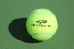 Pallina da tennis di Wilson di US Open a Billie Jean King National Tennis Center a New York Fotografie Stock