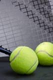 Palline da tennis con la racchetta Immagine Stock Libera da Diritti