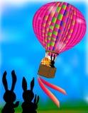 Pallone con l'uovo di Pasqua ed i conigli Fotografie Stock Libere da Diritti