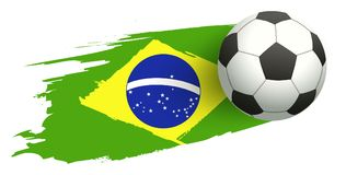 Pallone da calcio nel fondo della bandiera brasiliana Fotografie Stock Libere da Diritti