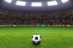Pallone da calcio, stadio, luce Fotografie Stock Libere da Diritti