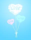 Pallone della nuvola del cuore al fondo di colore Fotografia Stock