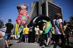 Pallone gigante che è Dilma gonfiato Fotografie Stock