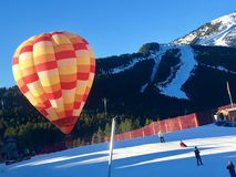 Pallone nella neve Fotografia Stock