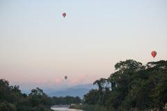 Pallone sul fiume Fotografie Stock