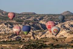 Palloni in Cappadocia Immagini Stock