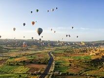 Palloni di Cappadocia dal pallone fotografie stock