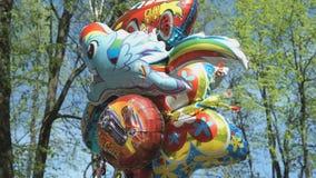 Palloni nelle forme differenti stock footage