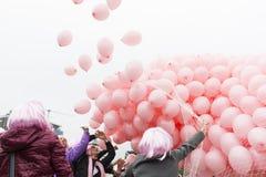Palloni rosa contro cancro al seno Immagine Stock