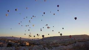 Palloni sopra Cappadocia Immagini Stock