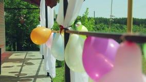 Palloni sul portico archivi video