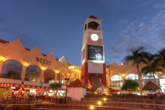 Palm Beach, das Hotels und Restaurants in Aruba enthält lizenzfreies stockbild