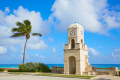 Palm Beach digno de la torre de reloj de la avenida la Florida imagenes de archivo