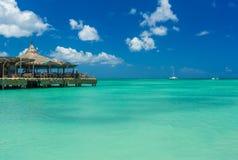 Palm Beach en la isla de Aruba Fotos de archivo libres de regalías