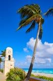 Palm Beach en valeur la tour d'horloge d'avenue la Floride Image libre de droits