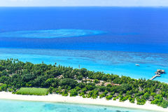 Palm Beachsemesterort & Spa Maldiverna i den Lhaviyani atollen Royaltyfri Bild
