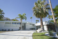 Palm Spring hus royaltyfri foto