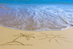 Palm Tree on an island under the sun drawing on wet beach sand a Stock Images