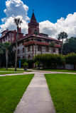 Palm trees and buildings at Flagler College, St. Augustine, Flor Royalty Free Stock Photography