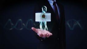 Palma abierta del hombre de negocios, cuerpo giratorio de enfoque y corazón de exploración Sistema cardiovascular humano, luz azu almacen de video
