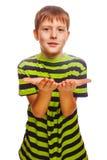 Palma abierta rubia de la mano del adolescente del niño del muchacho aislada Fotos de archivo libres de regalías