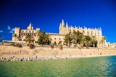 Palma Cathedral ed il palazzo di Almudaina Fotografie Stock