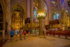PALMA DE MAIORCA, ESPANHA - 18 DE AGOSTO DE 2017: Vista interior da catedral de Santa Maria de Palma La Seu em Palma de Fotografia de Stock Royalty Free