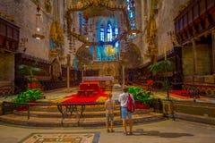 PALMA DE MAIORCA, ESPANHA - 18 DE AGOSTO DE 2017: Vista interior da catedral de Santa Maria de Palma La Seu em Palma de Imagens de Stock