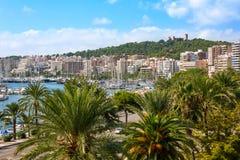 Palma de Majorca horisont med den Bellver slotten Arkivbilder