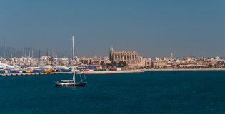 Palma- de Majorcapanorama, angesehen vom Meer Lizenzfreie Stockfotografie