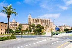 Palma de Mallorca Cathedral ed Almudaina Royal Palace panoramico Immagine Stock Libera da Diritti