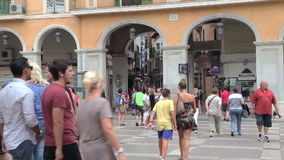 Palma de Mallorca, Centraal vierkant Menigten van toeristen stock videobeelden