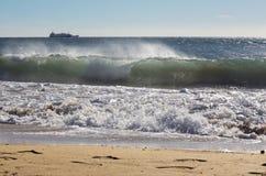 Palma de Mallorca - la grande vague et la cargaison ? l'arri?re-plan photos libres de droits