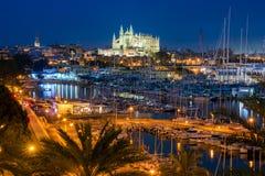 Palma de Mallorca på natten Arkivfoto